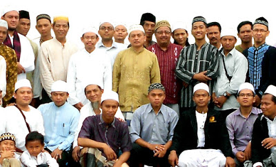 Syaikh Idahram (Ustadz Marhadi) dalam acara Kopdar Sarkub di Tangerang Banten